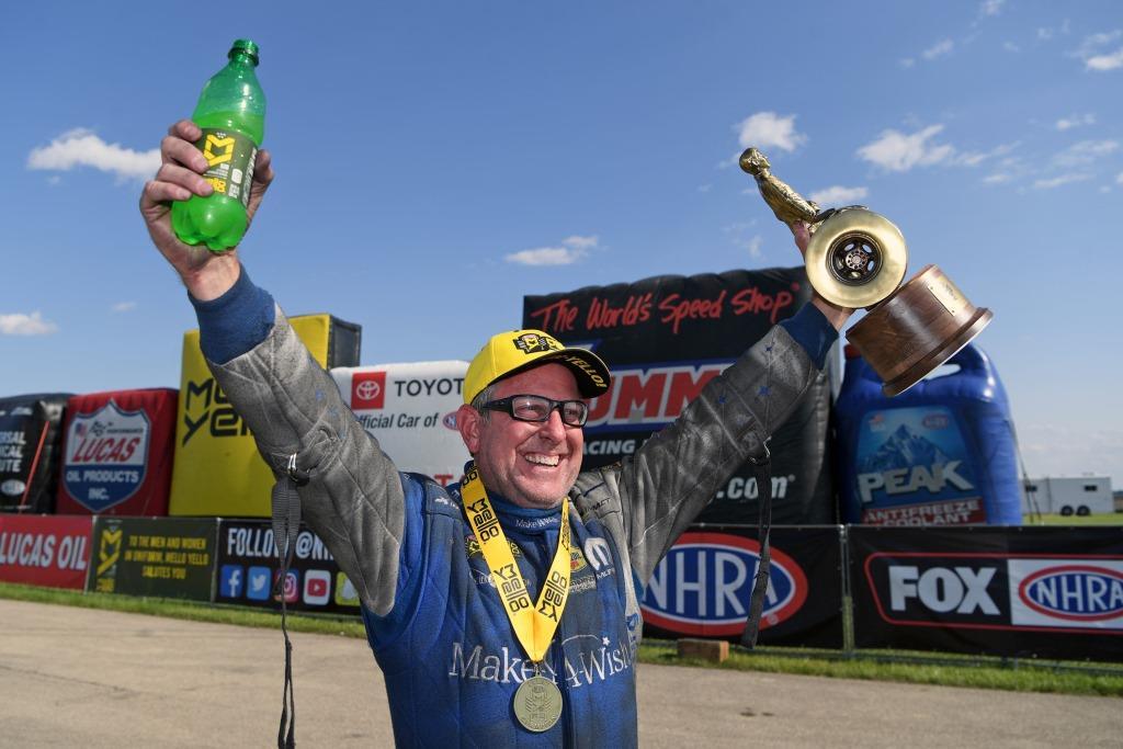 Johnson Captures First NHRA Funny Car Win of Season at Chicago, Third Consecutive for Dodge//SRT Mopar