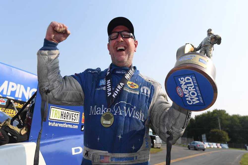 You are currently viewing Tommy Johnson Jr. makes most of opportunity, beats John Force in a thriller